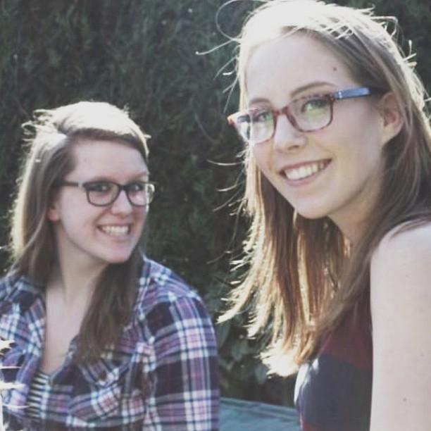 Samen met Alette op de verjaardag van Mirthe.