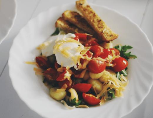 Gnocchi met tomaat en rucola - Maartje Leah