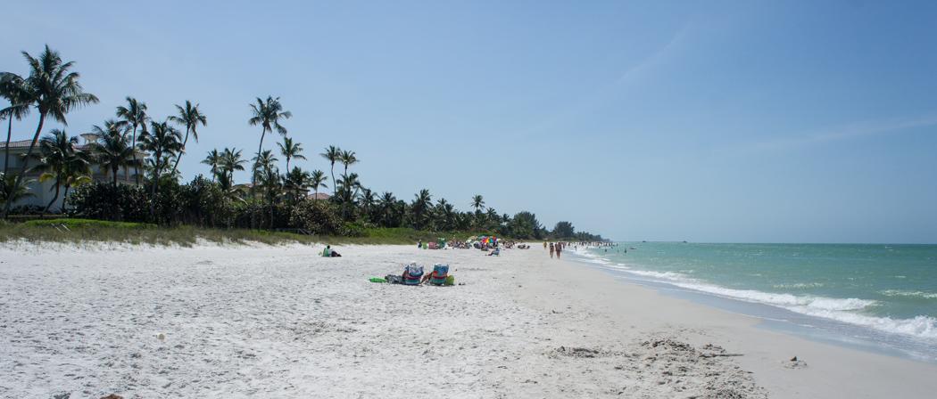 La belle plage de Naples en Floride