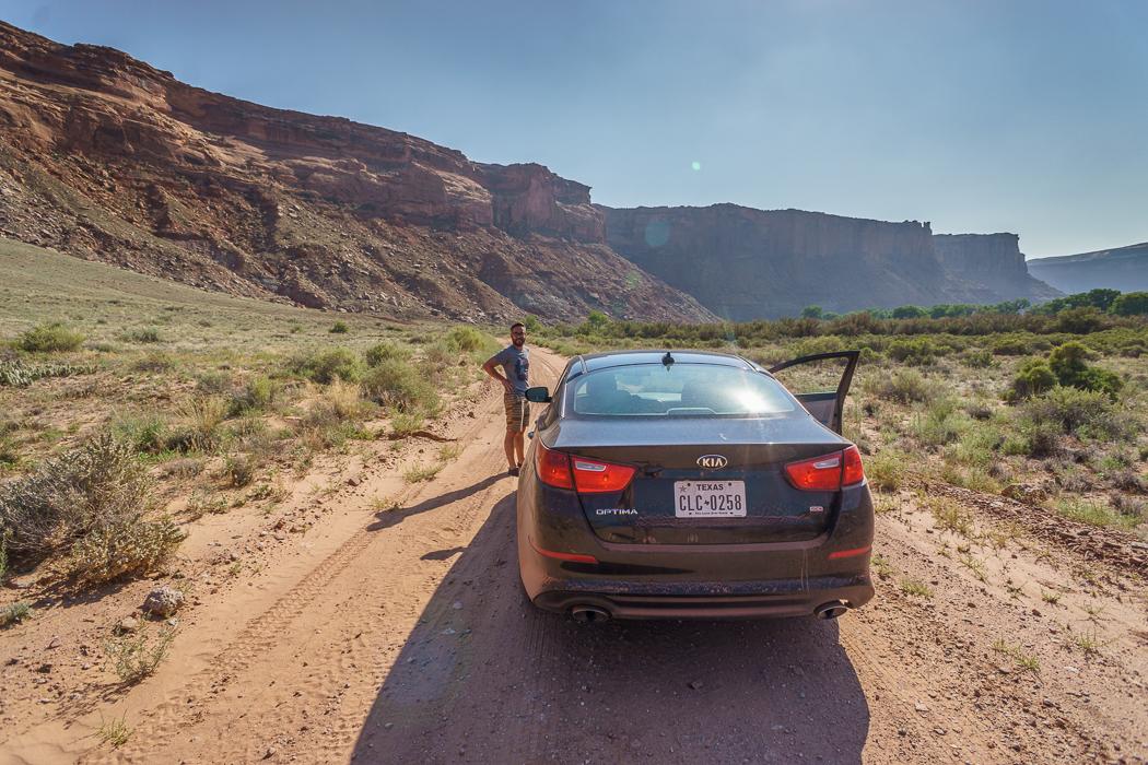 Canyonlands National Park Utah - la voiture au fond du canyon