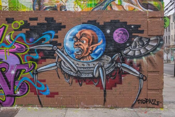 Brooklyn Street Art-1 // http://https://www.maathiildee.com/