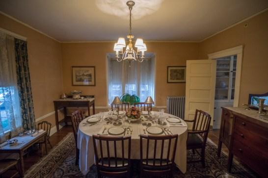 kennedy house brookline salle a manger