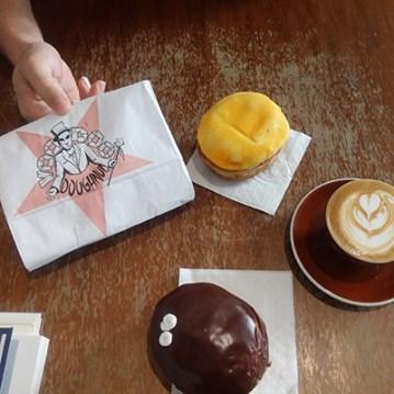 voodoo-donuts-et-cafe