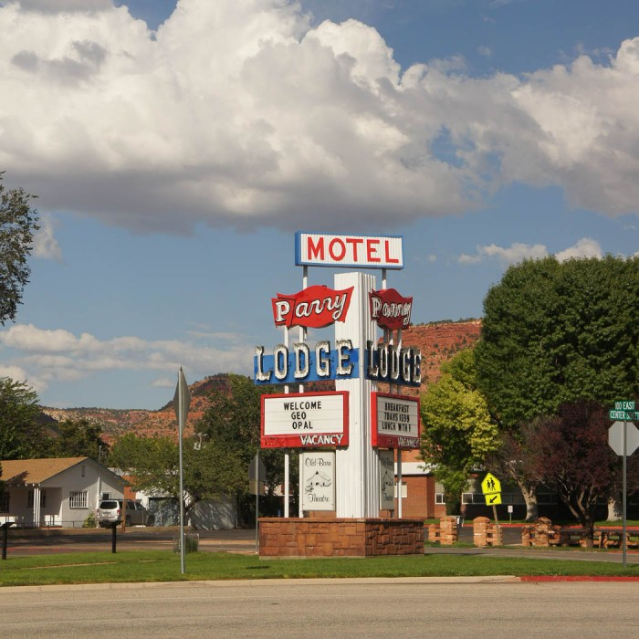 Parry Lodge Motel Kanab Utah