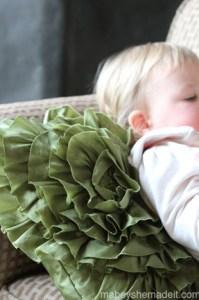 Spiral Ruffle Pillow   Mabey She Made It #ruffle #pillow #homedecor