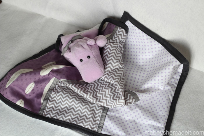 Stuffed Lovey Tutorial | Mabey She Made It #nestingtonewborns #lovey #sewingforbaby #baby