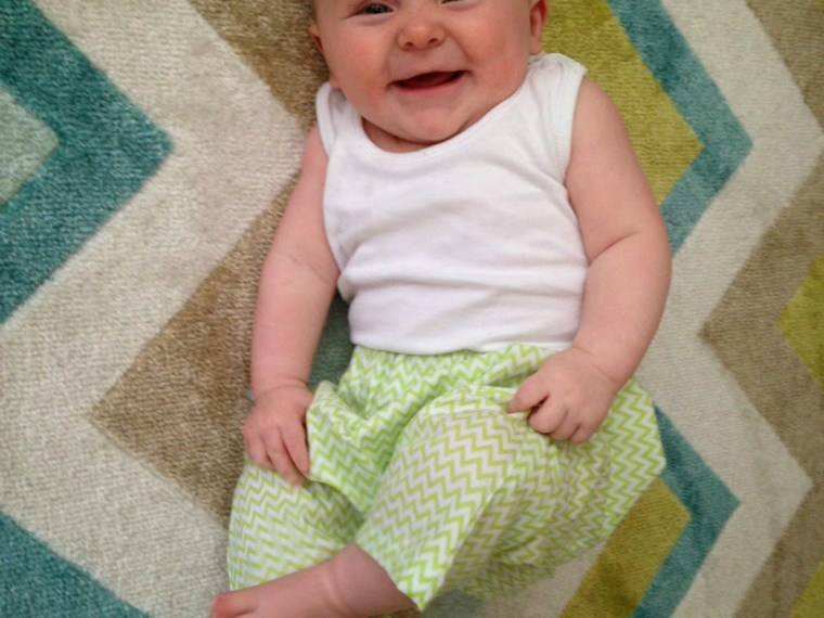 DIY Harem Pants   Mabey She Made It   #sewing #sewing for baby #harempants