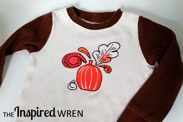 Seasonal Applique Pajama Set by The Inspired Wren | Mabey She Made It | #seasonal #pumpkin #pajamas #applique