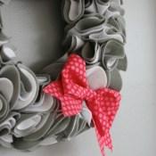 Precut Felt Wreath Kit with Apostrophe-S