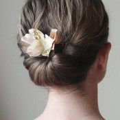 Glamorous Flower Comb