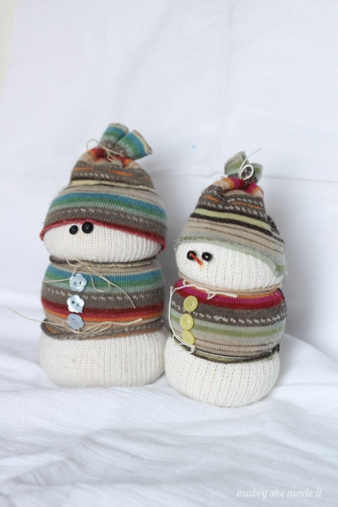 Sock Snowman | Mabey She Made It | #sockcrafts #snowman #winter