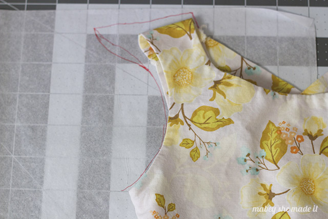 Draft your own sundress using something you already own with this Pompom Sundress Tutorial--part of the 30 Days of Sundresses series
