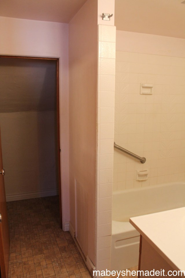 Mabey Manor Upstairs Bathroom Reveal