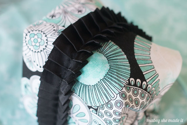 Watercolor on fabric with these tips and tricks using Color Me Fabric. Plus get the tutorial for this boxy zipper pouch.