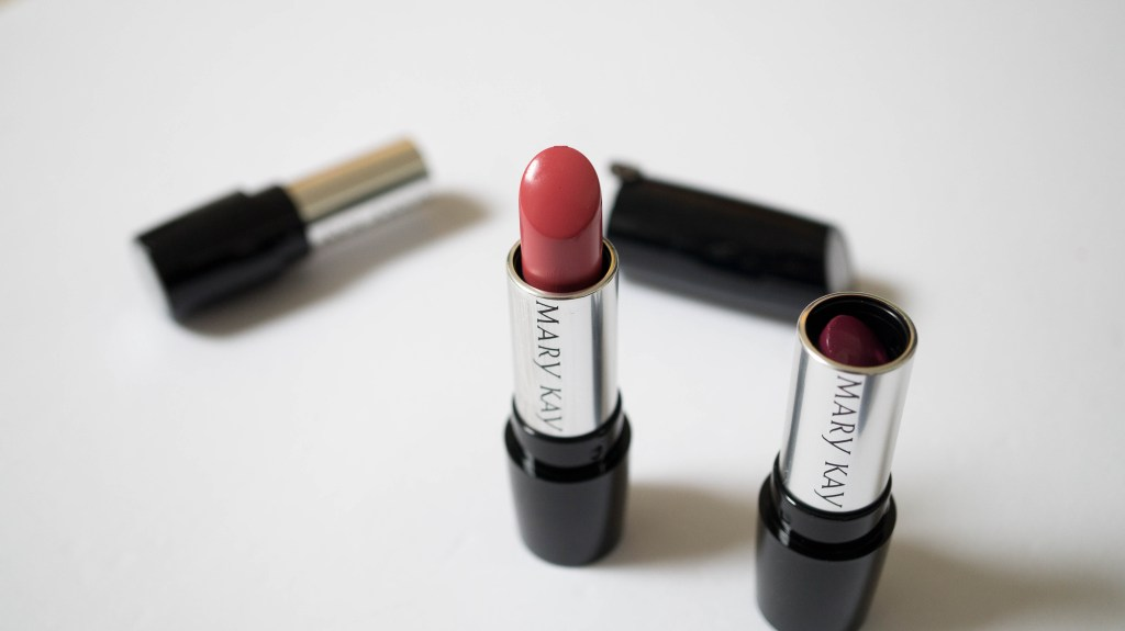 Mary Kay Gel Semi-Matte Lipstick review swatches (3 of 10)