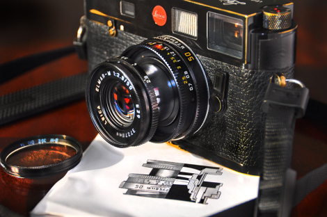 Read a full review of the cracking collapsible 50mm Elmar-M here at A Singular Eye