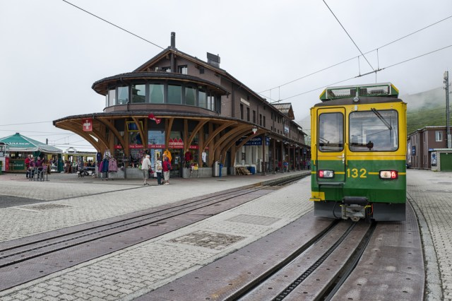 Kleine Scheidegg station which forms the junction between the Wengernalpbahn and the Jungfraubahn. All tourists for the Jungfrau pass through here. This is the highest point on the Wengernalpbahn from where you can travel down to Wengen and Lauterbrunnen on one side and Grindelwald on the other
