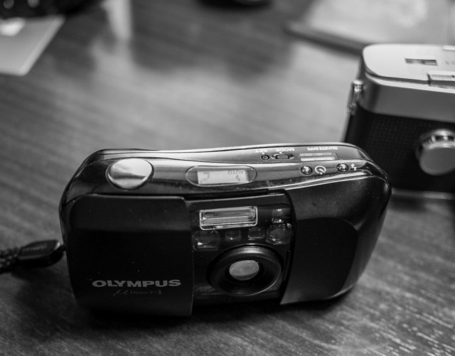 The Mju is a fully automatic point-and-shoot film camera that is easy to set up, easy to load and easy to use. I
