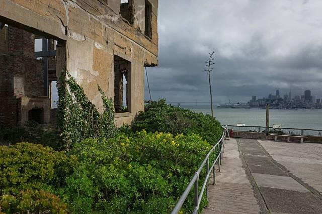 Alcatraz Ruins looking towards San Francisco, X-T10 and 16mm