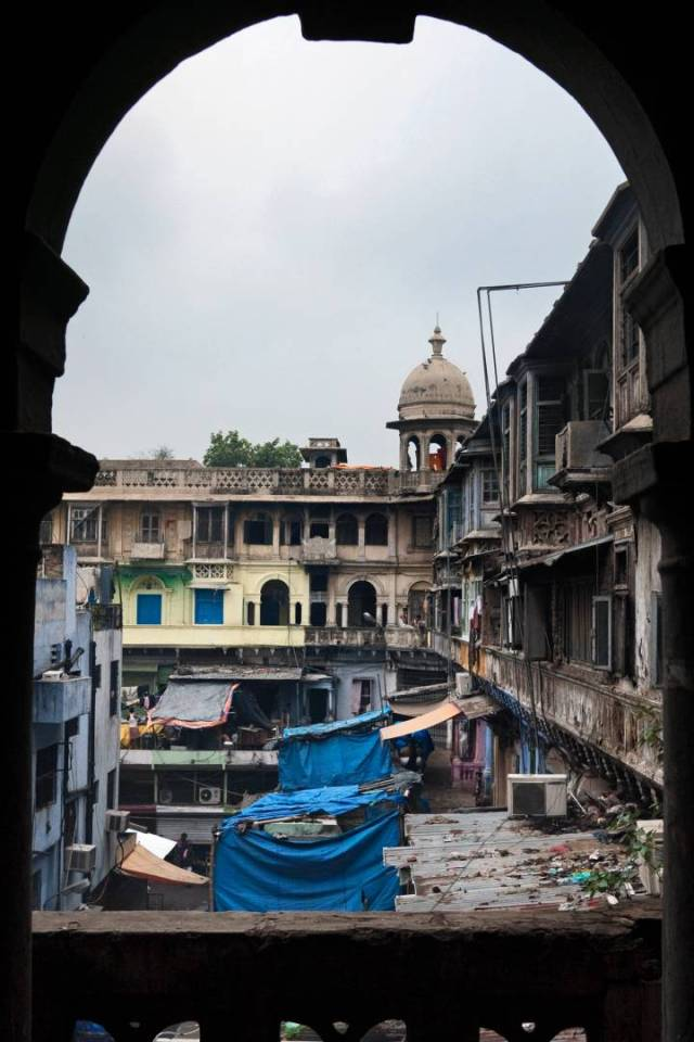 As one ascends the stairs of Gadodia Market in Khari Baoli the scent of spices engulfs the senses.