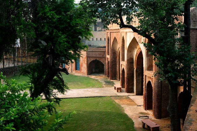 Built in 1835, Kashmere Gate was at the centre of fighting during the Siege of Delhi in 1857, also known as the Mutiny of 1857. It is now a protected monument in the busy and congested heart of Old Delhi.