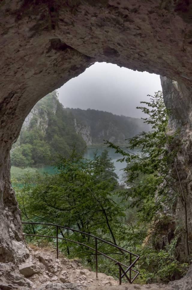 Šupljara cave overlooking the lakes