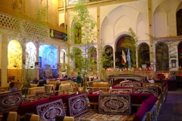 Kashan: Das Abbasian Traditional Teahouse bietet authentisches Ambiente