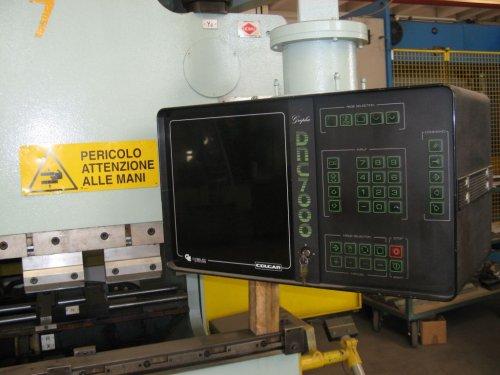 pressa piegatrice Colgar Synchro PIS 1026/32 vista del pannello di controllo