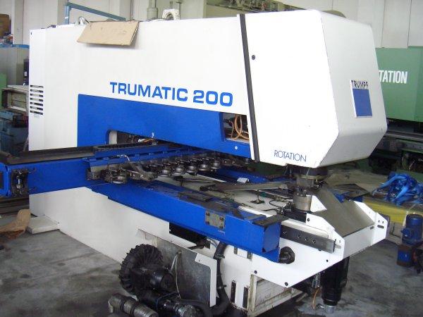 Punzonatrice Trumpf Trumatic 200R usata in vendita