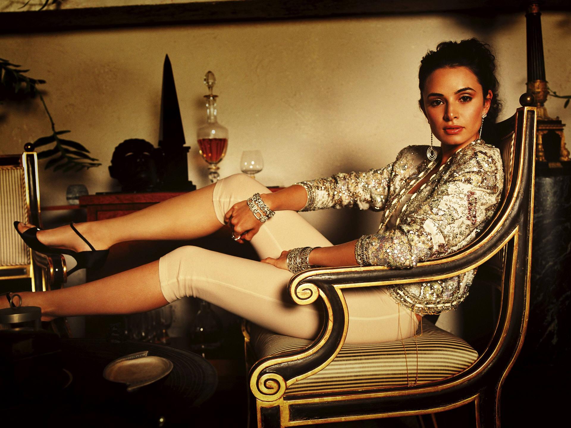 Lost Girl Wallpaper Hd Mia Maestro Legs Mac Heat