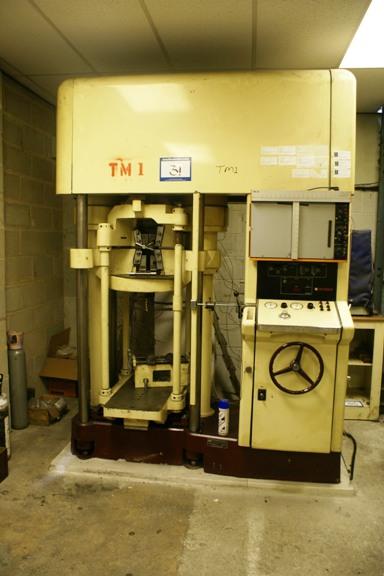 AVERY DENISON Tensile Testing Machine