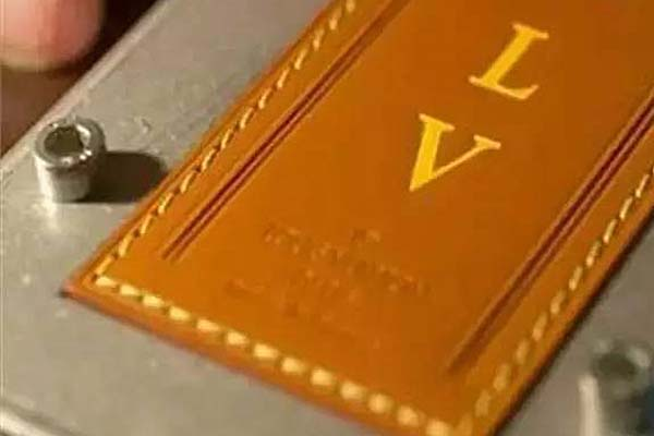 LV (Louis-Vuitton) provides personalized hot stamping service