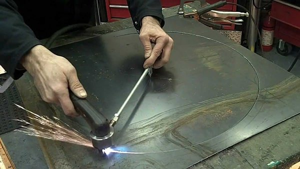 Manual circle cutting
