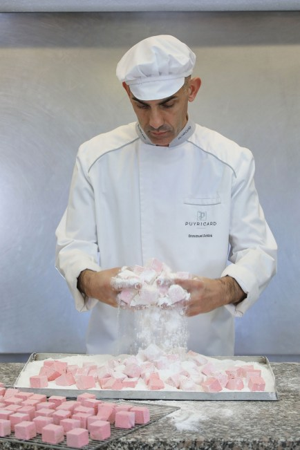 Fabtrication des guimauves - Chocolaterie de Puyricard