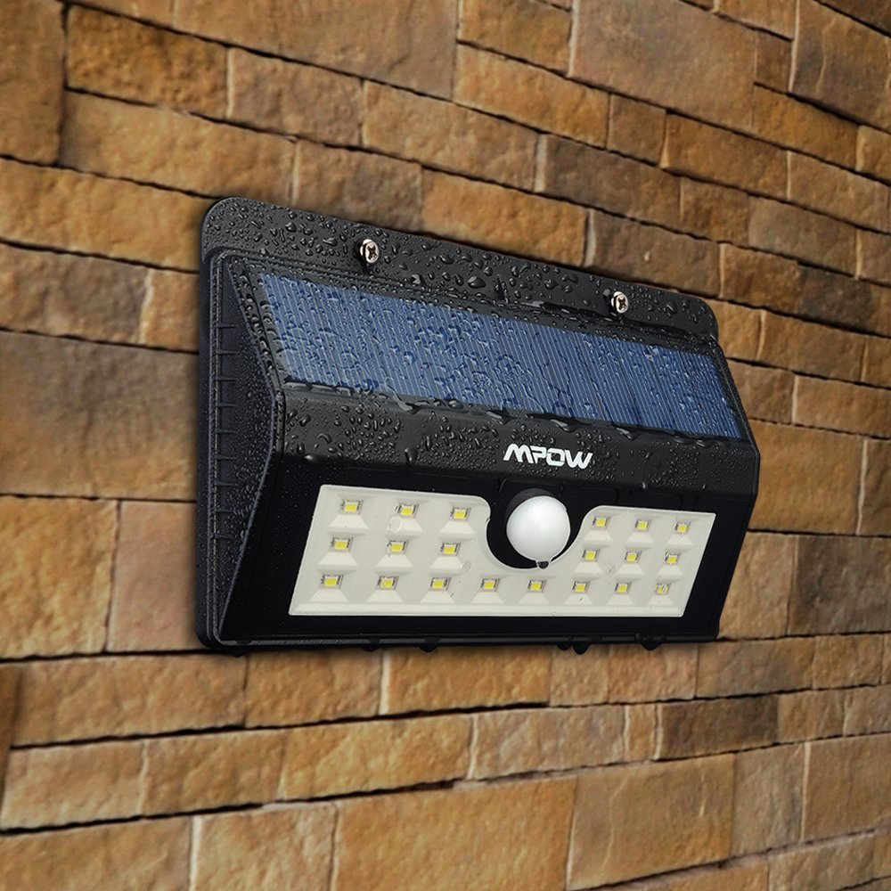 Lampada LED Da Esterno Con Ricarica Solare Accensione Al