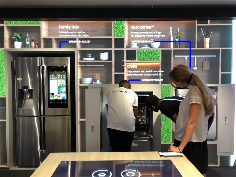 A Parigi Apple e Samsung saranno vicini di casa sugli