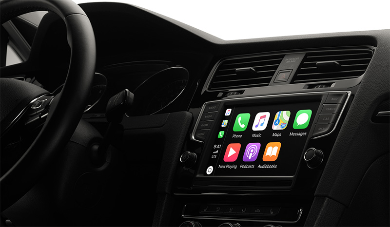 Sondaggio: utenti CarPlay più soddisfatti di queli Android Auto, ma…