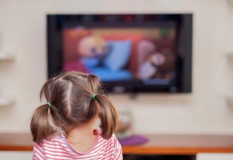 Linee guida OMS: per la salute dei bambini meno tempo davanti agli schermi