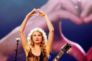 Think Like a Rockstar: How Taylor Swift Connects With Her Fans At Concerts
