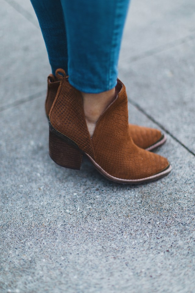 basic essentials for fall | brown hunt the plains booties | www.mackenziekendall.com