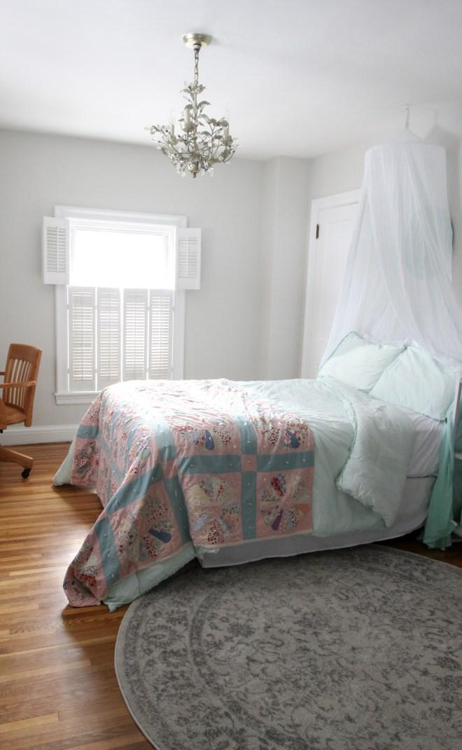 Tween Girl Bedroom: Beachy Vintage | Mackinaw Road