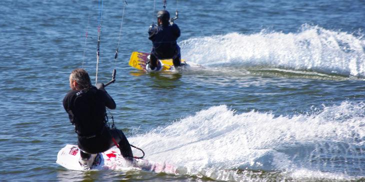 kiteboarding boots vs. straps