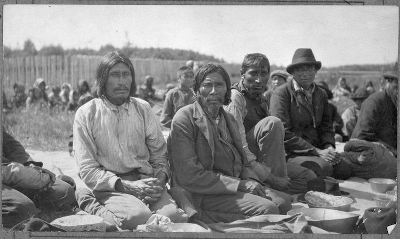 Treaty 9 Indigenous men at Fort Hope in Ontario, 1905. (Dept. of Indian and Northern Affairs / Library and Archives Canada)