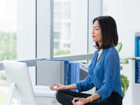 Yoga en la oficina: beneficios