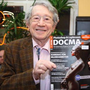 Janos K. nahm noch eine DOCMA-Fachzeitschrift mit nach Hause