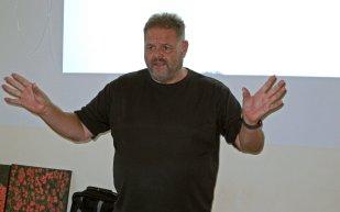 Michael Valentin präsentierte kompetent die neue Filemaker-Version.