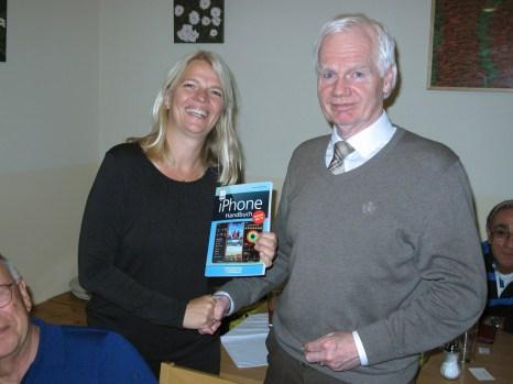 Ein iPhone-Handbuch hat Gerd Preschl gewonnen.