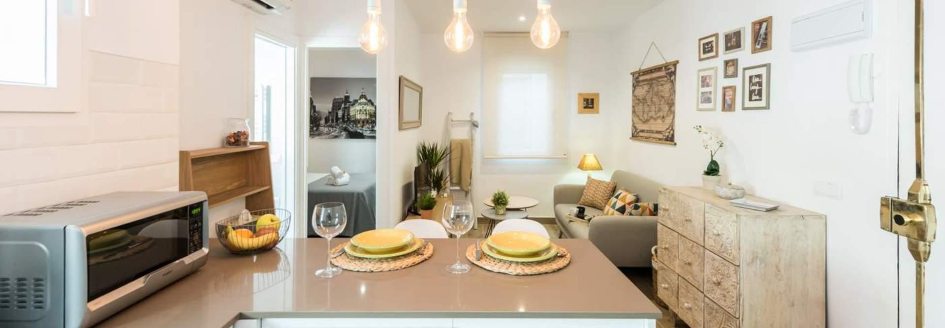 Listings of houses and flats for rent from 395 euros. Alquiler de apartamentos por días Madrid centro.