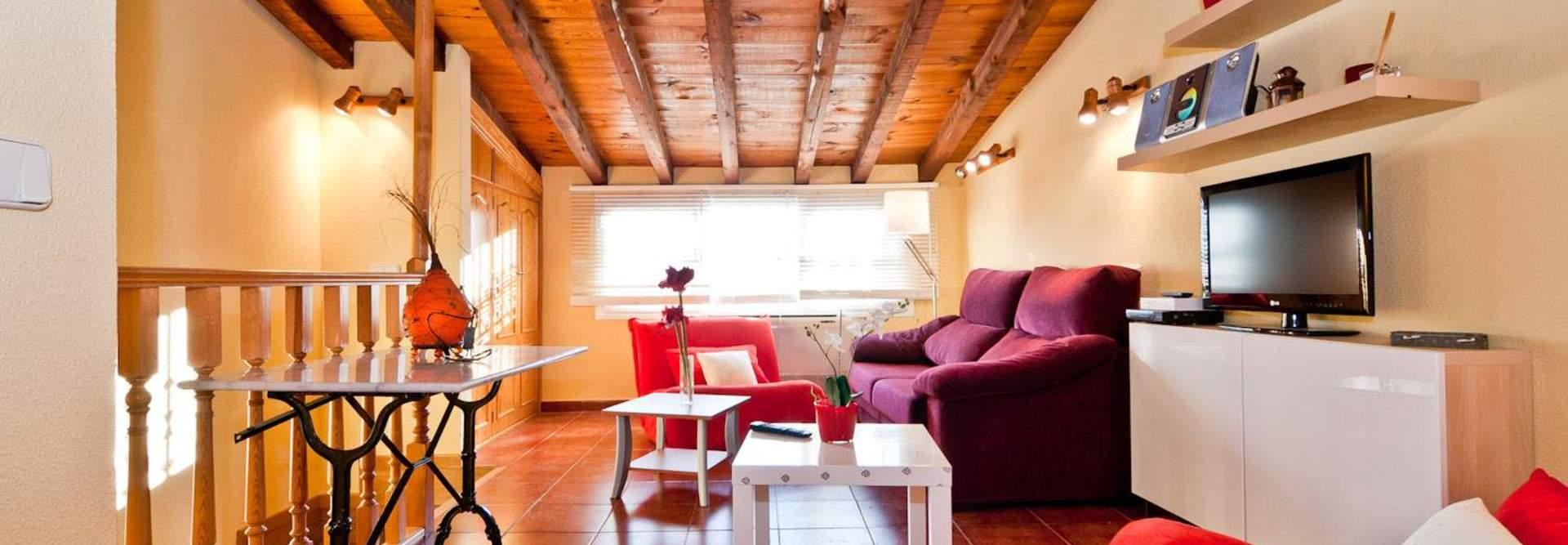 Property in madrid, spain, to rent from private landlords and real estate agents. PRECIADOS ATICO - Alquiler de apartamento en centro Madrid