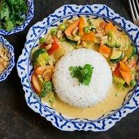 Gelbes Thai-Curry mit Erdnussbutter